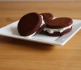 Chocolade Whoopie met slagroom